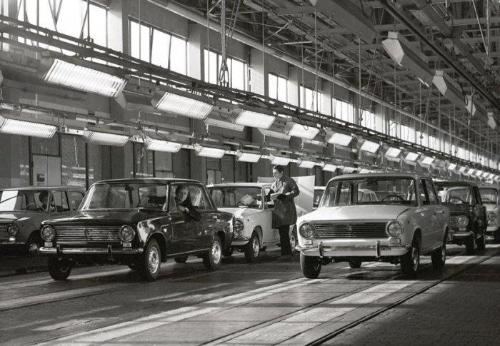 УАЗ-452 и ГАЗ-21: Значение цифр и индексов в названиях советских авто