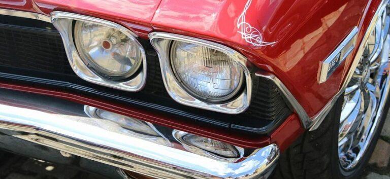 Автомобиль красного цвета предпочитает каждая десятая автоледи в России