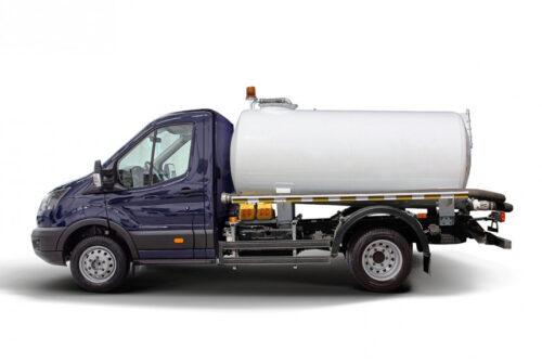 Ford Transit - версия с цистерной