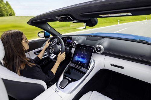Mercedes-AMG SL - интерьер нового кабриолета