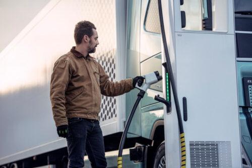 Зарядные станций для европейских грузовиков