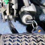 Блокиратор рулевого вала – предназначение, особенности и разновидности