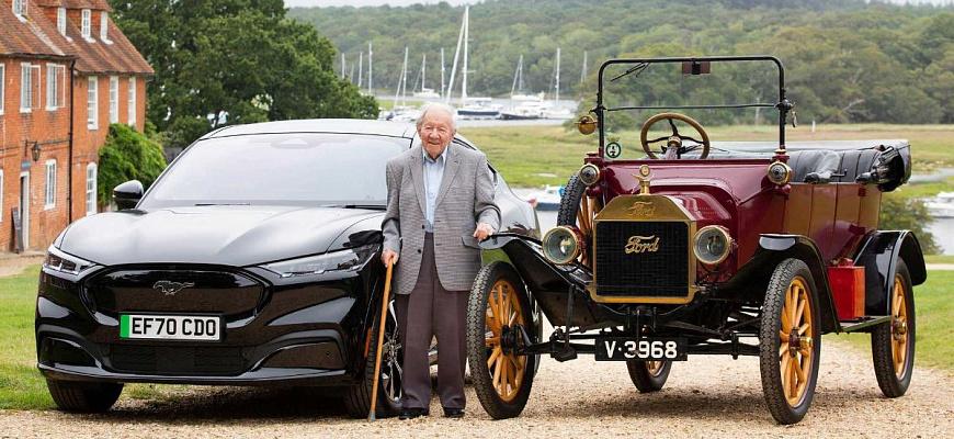 Тест-драйв электрического Ford Mustang Mach-E проводит 101-летний мужчина