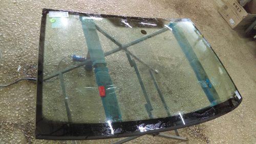 Оригинальное лобовое стекло и подделка